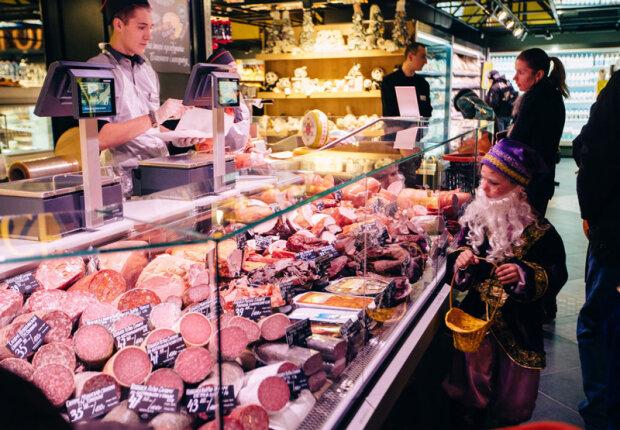 Стеля впала на голови: покупців супермаркету в Одесі скупали в окропі, - моторошні кадри