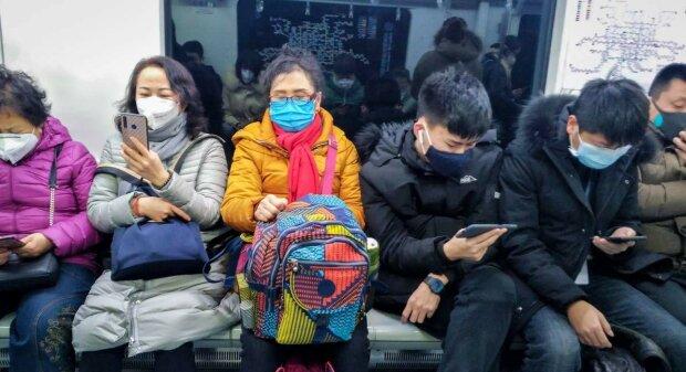 """Коронавирус уже в Киеве? """"Борисполь"""" заполонили сотни китайцев, которых боятся трогать даже медики"""