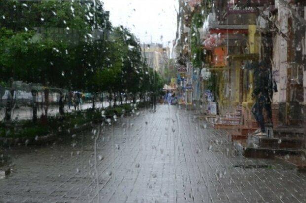 Осінь посадить франківчан під домашній арешт: 6 жовтня місто накриють зливи та холод