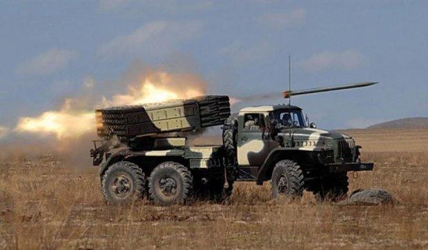 Террористы обстреляли украинские позиции 40 раз - пресс-центр АТО