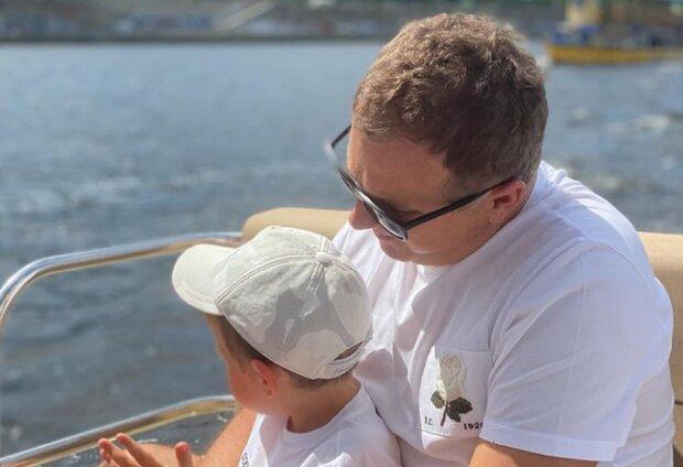 """Юрий Горбунов показал экстрим с сыном, пока беременная Катя Осадчая загорает: """"Водные гонщики"""""""