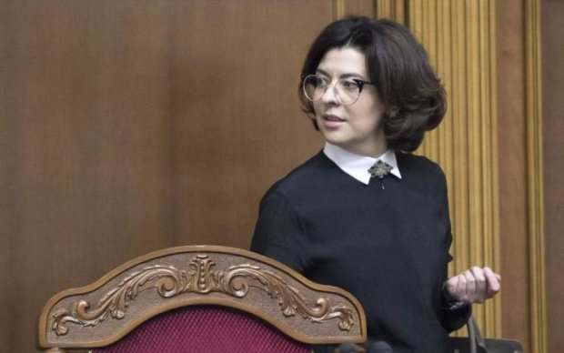 Українці змішали з гноєм депутатку, яка попіарилась на дітях та війні