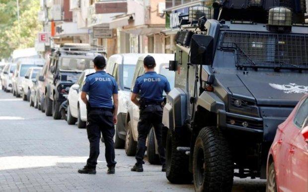 Обстріл посольства США в Туреччині: копи схопили підозрюваного