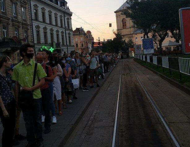 """Во Львове обещанные трамваи Садового накрылись медным тазом: """"Ждем часами"""""""