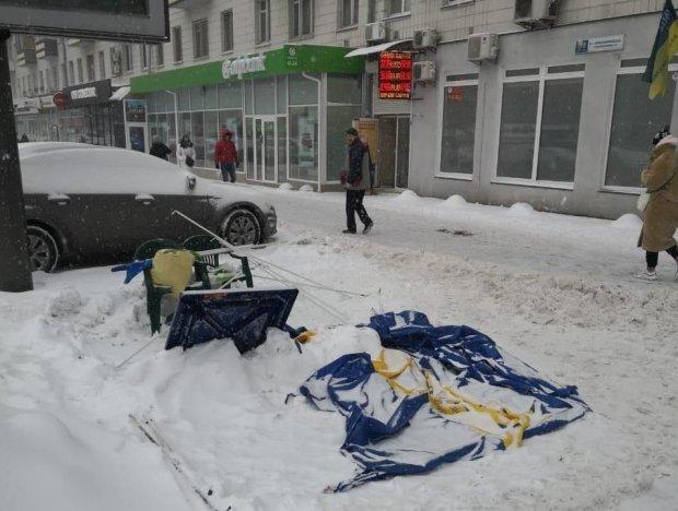 У Запорізькій області старенька вирішила показати, що думає про кандидатів у президенти: повний розгром