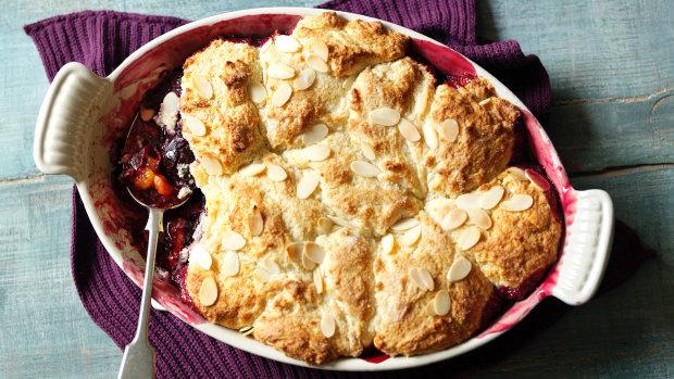 Сладкий пирог с черносливом: быстрый рецепт