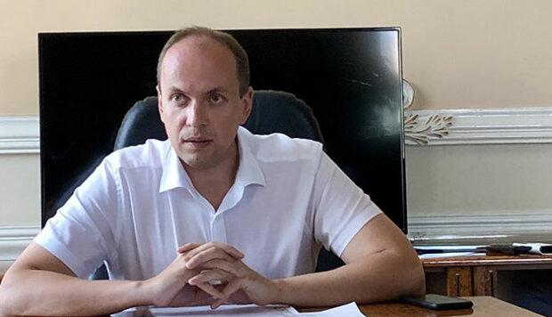 Губернатор Хмельниччины Габинет сделал мэру Симчишину подарок перед выборами - расслабься, коллега