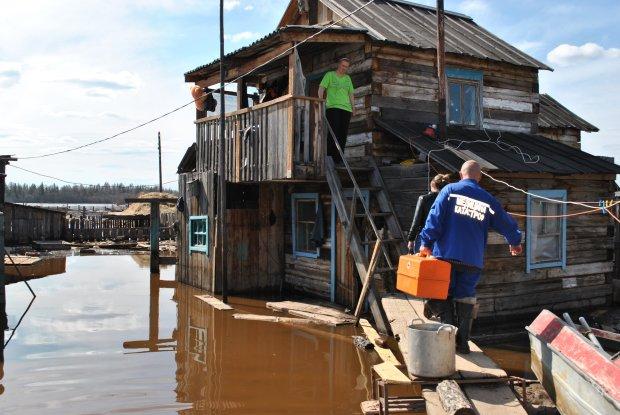 На Россию налетели климатические аномалии, тысячи домов исчезли в одно мгновение: кадры массивного катаклизма