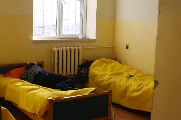 """У Львові """"добивають"""" ув'язнених: лікарняний хоррор показали страшними фото"""
