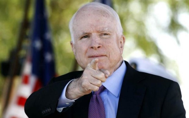 "Маккейн жестко ""отходил"" коллегу за ответ по Украине"