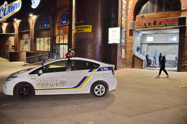 Мало не розстріляв дитячу поліклініку: неадекват палив без розбору у середмісті Києва, дике відео