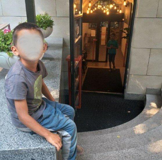У Харкові зняли на фото малолітніх вуличних злодіїв, фото t.me/hueviykharkov