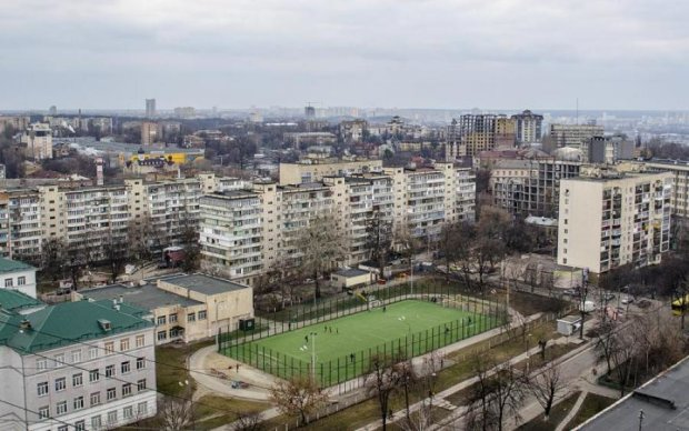 Жах: у київській школі виявили два трупи