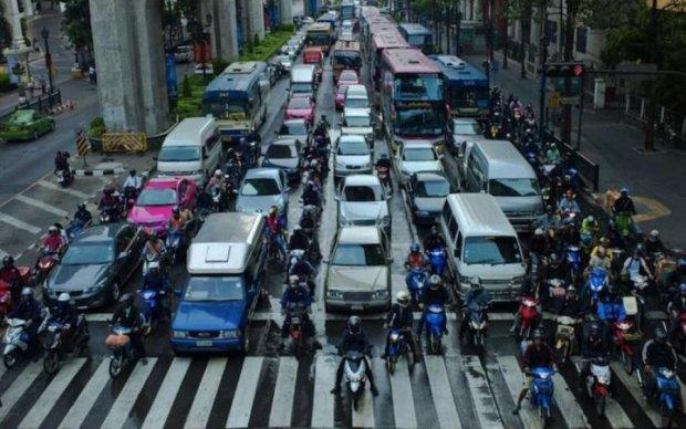 НЛО бесстыдно проверило качество дорог: видео