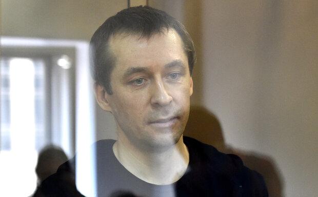 Супруга экс-полковника Захарченко сбежала из России с дочерью и молодым жеребцом
