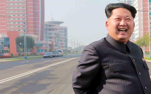 Людина Трампа таємно злітала до Кім Чен Ина