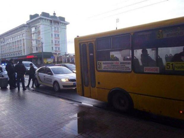 маршутка в Ровно, фото Ровно Вечернее