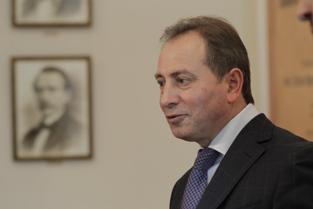 """Томенко розповів про """"розваги"""" Порошенка на могилі Кобзаря: гелікоптери, змиті дороги і патріотичні дурні"""