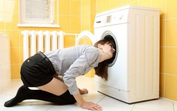 Жінка знайшла пів центнера жаху в пральній машині: відео