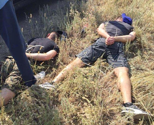 Поліцейські на Дніпропетровщині затримали озброєну банду