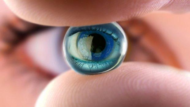 Видавлять сльозу: медики навчилися зволожувати очі за допомогою зондів у носі