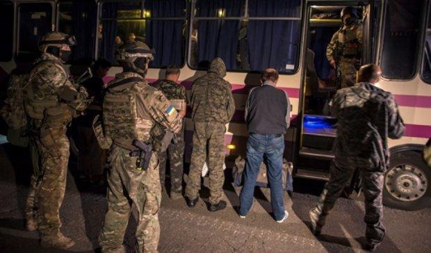 """""""10 на 10"""" - відбувся обмін військовополоненими з терористами"""