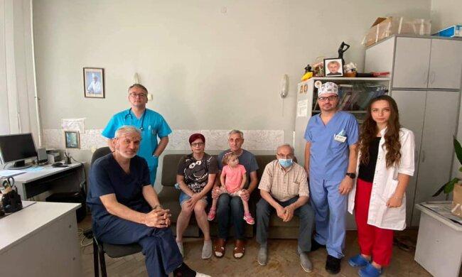 Лікарі у Львові, фото: Охматдит