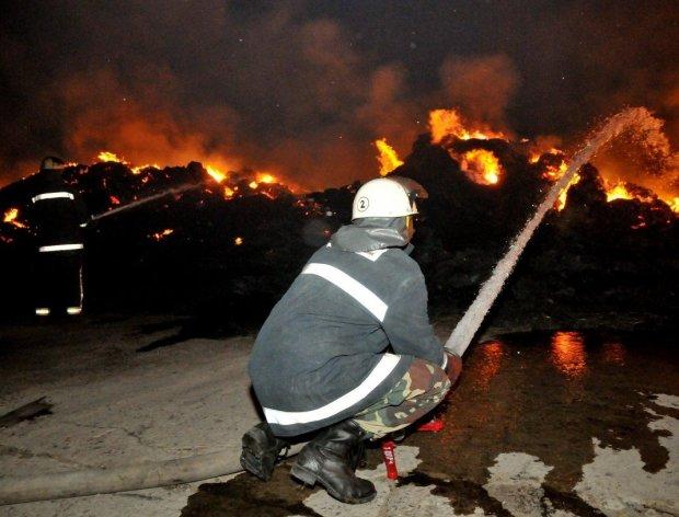 На Пасху внезапно вспыхнула церковь: дети оказались в огненной ловушке