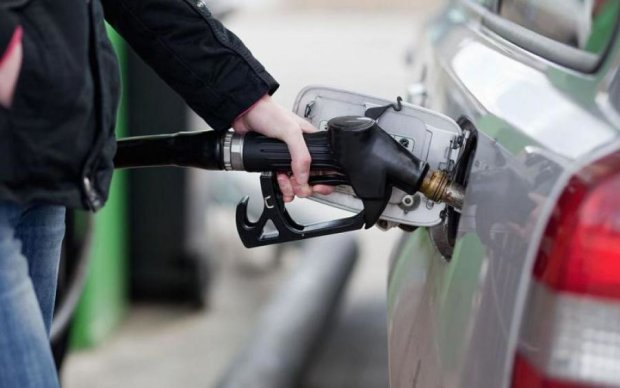 Експерти розповіли, за чий бензин платять українці