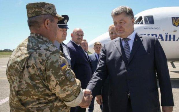 Украина в НАТО: Порошенко показал первые шаги на пути к Альянсу