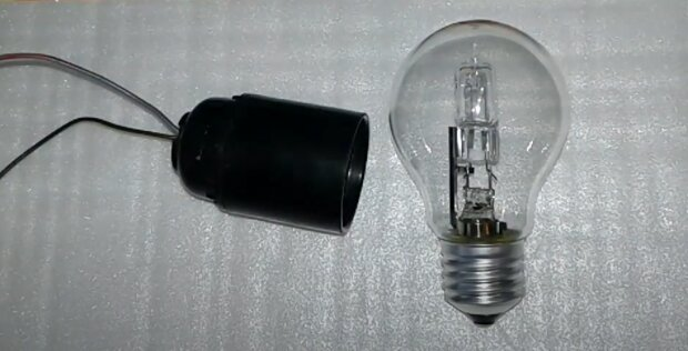 Лампочка, скриншот из видео