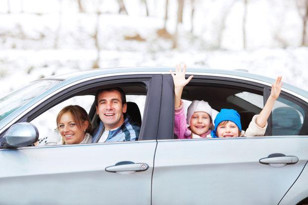 Комаровский предупредил о рисках автомобильных путешествий с детьми