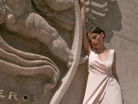 """Любителька виходити заміж Ірена Карпа знову вдяглася у весільну сукню: """"Ледве мене вмовили"""""""
