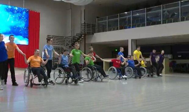 Ансамбль Dance on wheels, кадр из репортажа TV-4: YouTube