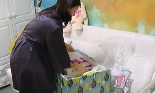 У Тернополі у новонароджених відібрали найнеобхідніше, молодим батькам доведеться несолодко