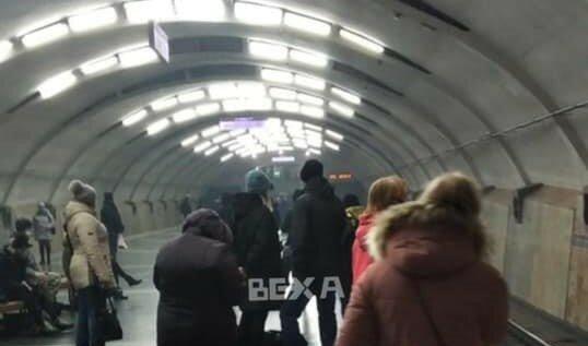 """Харківське метро заволокло димом, пасажири в паніці: """"Горимо?"""""""