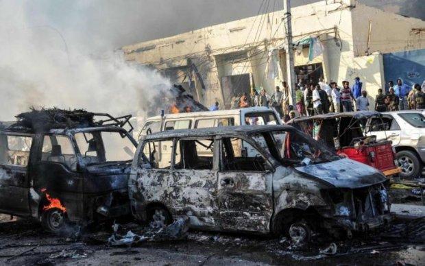 Терористи атакували резиденцію президента: сотні жертв і поранених