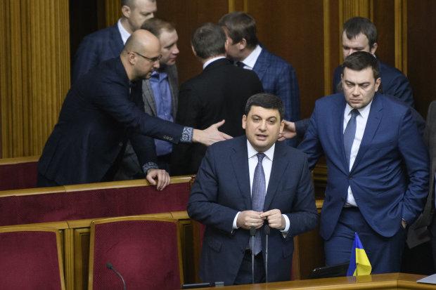 Головне за день п'ятниці 2 серпня: новий прем'єр України, доля Однокласників і Трамп на Донбасі