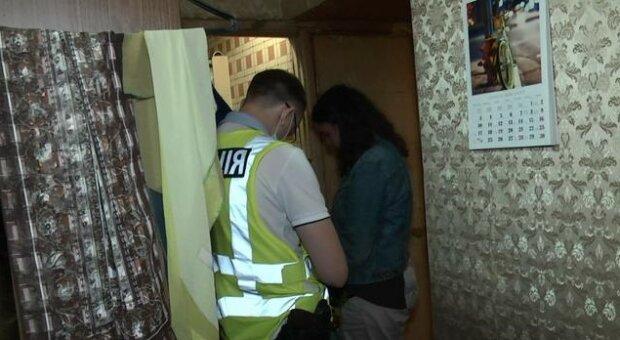В Киеве мать наткнулась на окровавленное тело 44-летнего сына – погиб от руки молодого друга