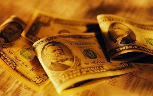 Курс валют на 24 июля: пока доллар в нокауте, евро не теряет времени