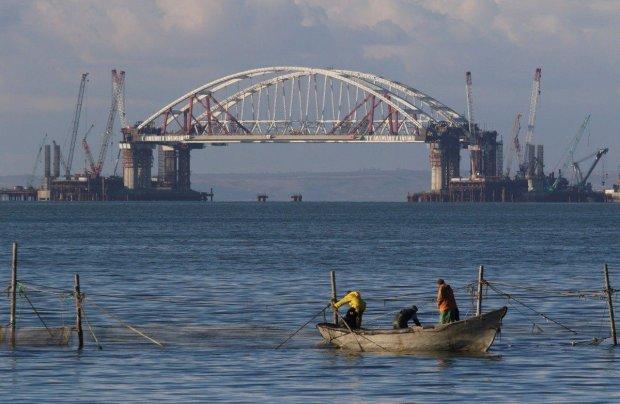 Опоры Керченского моста вот-вот рухнут, сооружение в критическом состоянии: видео