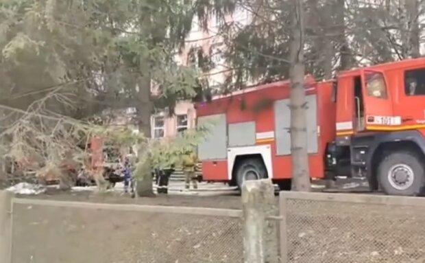 Вибух у лікарні у Ченівцях, кадр з відео