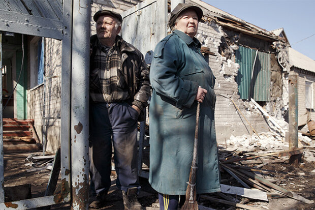 Наемники Путина жестоко обстреляли украинских пенсионеров, первые детали