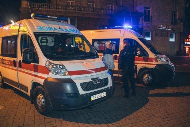 Швидка безжально збила жінку з дитиною: Сама винна