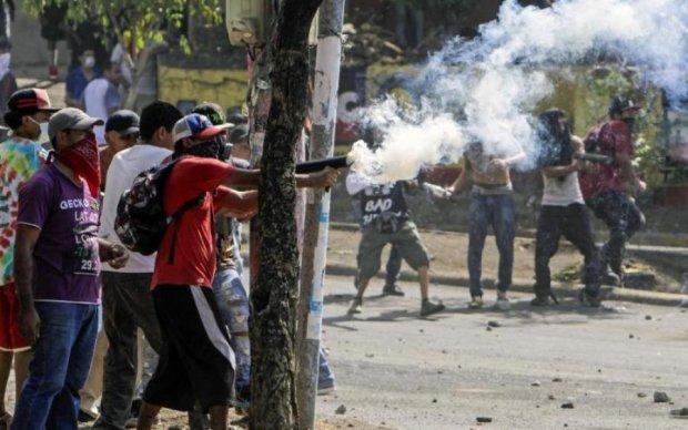 Боролися з недолугими реформами: протест закінчився десятками смертей