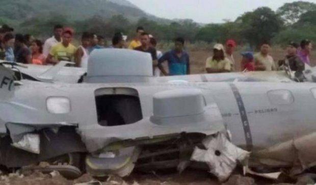 У Колумбії розбився військовий літак: загинули 11 людей