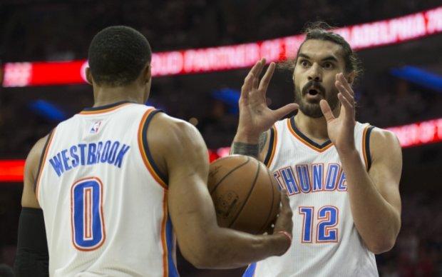 НБА: Хитрая комбинация игроков Оклахомы - лучший момент игрового дня