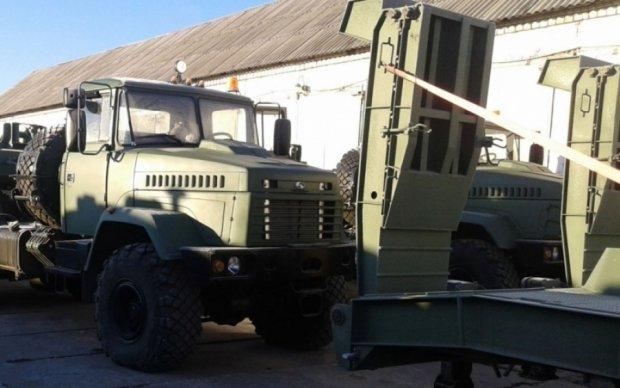 Кияни помітили колону військових машин без розпізнавальних знаків
