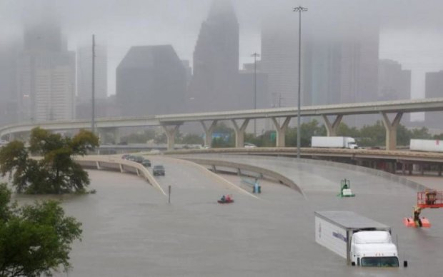 Ураган Харві: в США вибухнув хімзавод