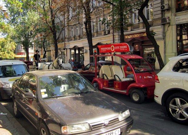 В Одесі водіїв попередили про серйозну небезпеку: на дно затягне кожного
